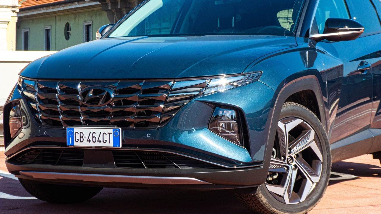 Hyundai-Tucson-Hybrid-2021-dettaglio-anteriore