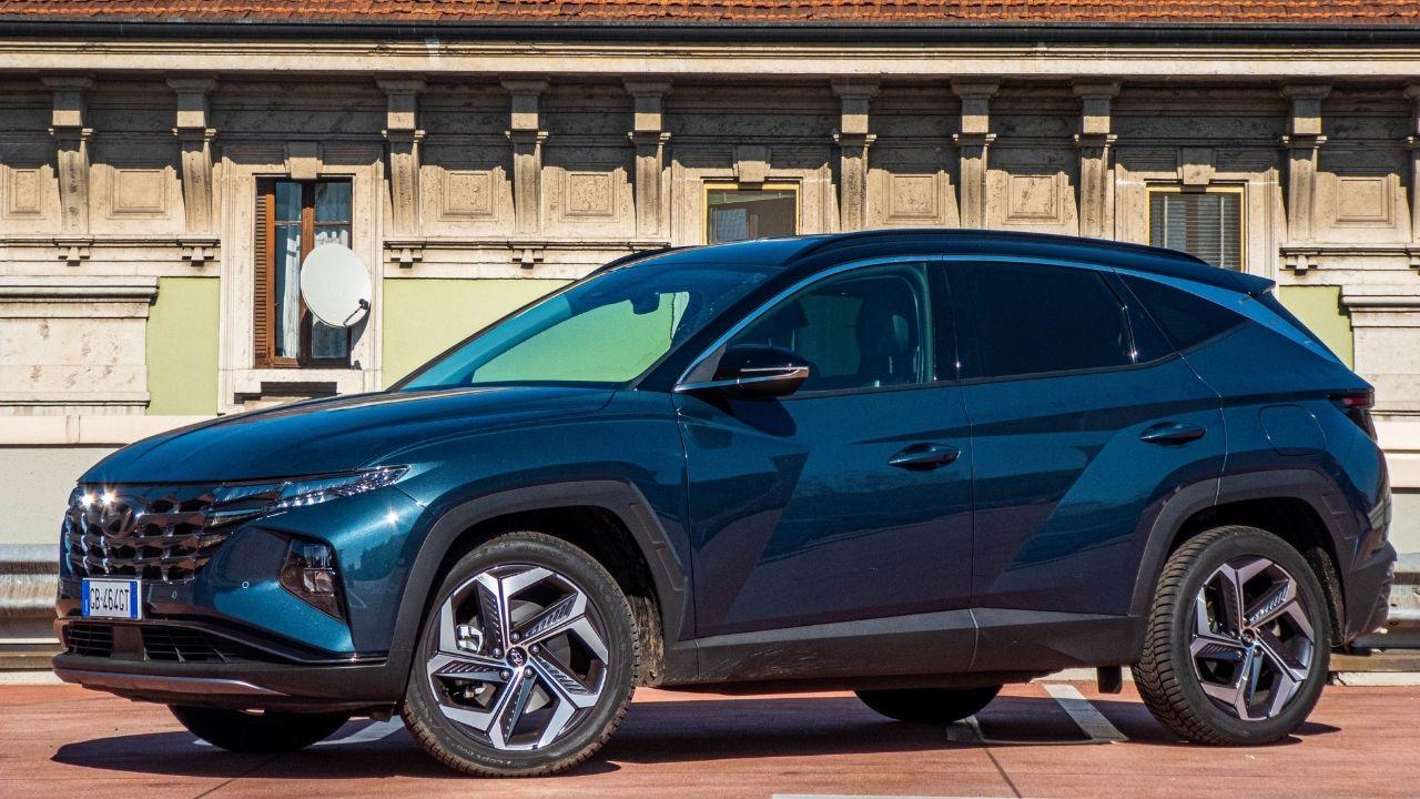 Hyundai-Tucson-Hybrid-2021-profilo