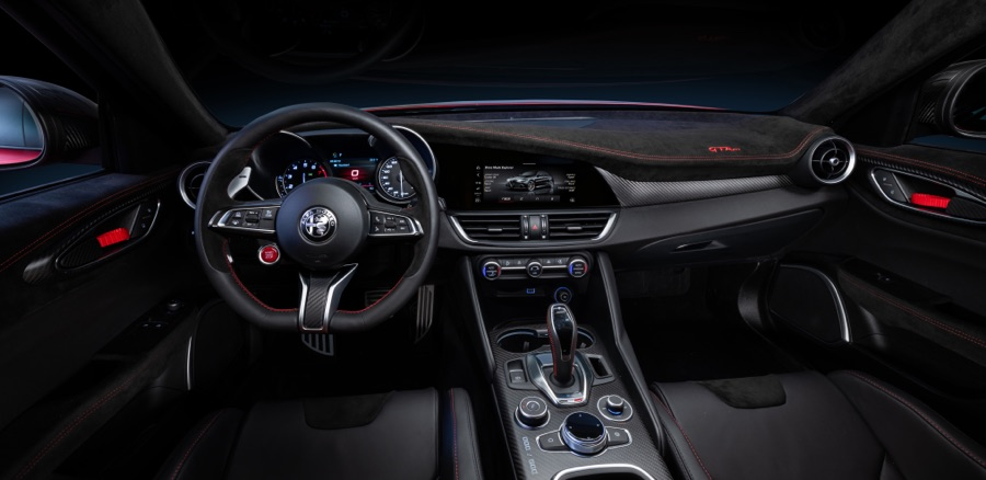 Interni di Alfa Romeo Giulia GTA 2020