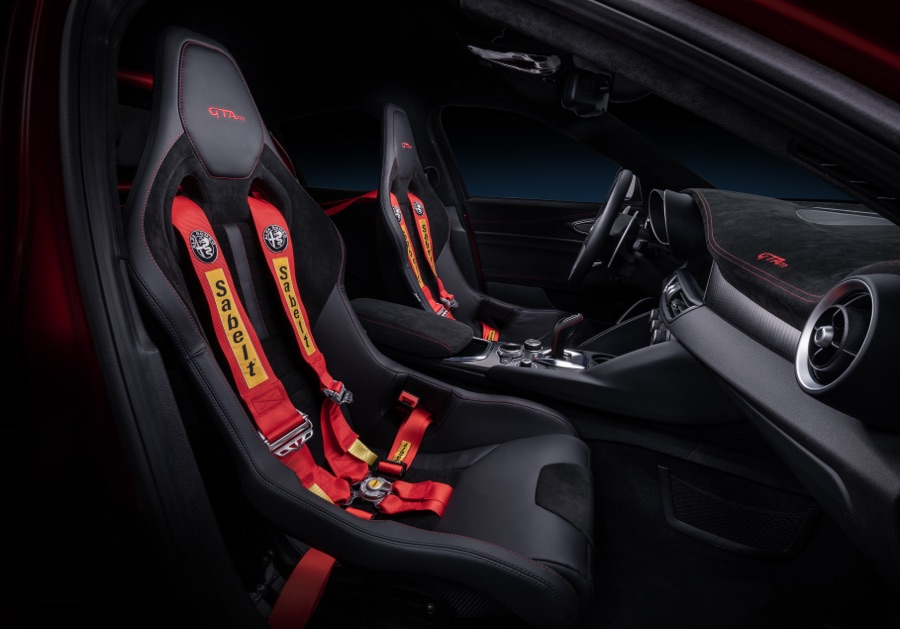 Interni di Alfa Romeo Giulia GTAm 2020