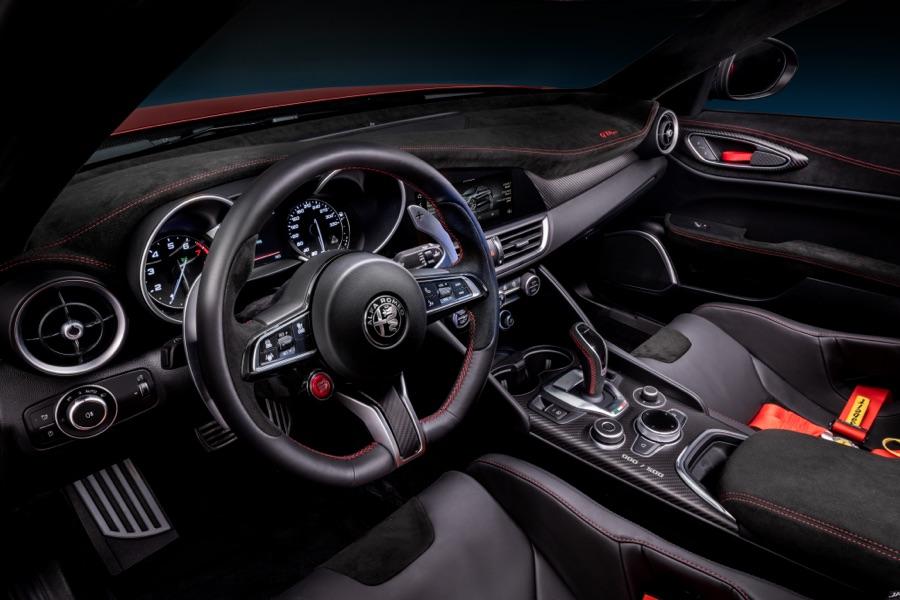 Volante di Alfa Romeo Giulia GTA 2020
