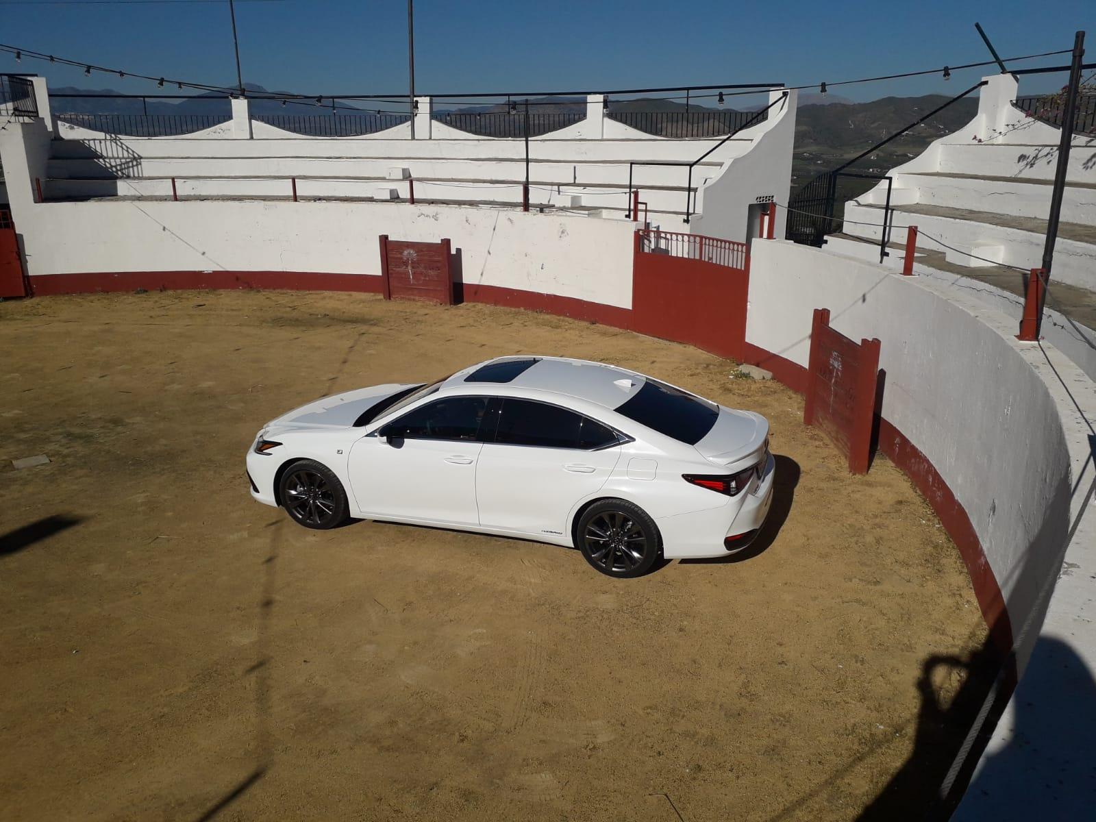 motore-lexus-es-luxury