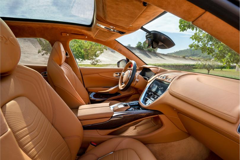 Abitacolo di Aston Martin DBX