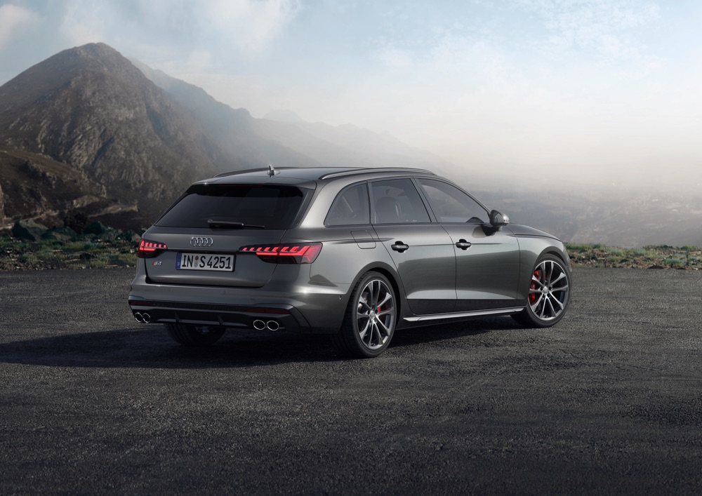 Audi S4 Avant 2019 fari a led