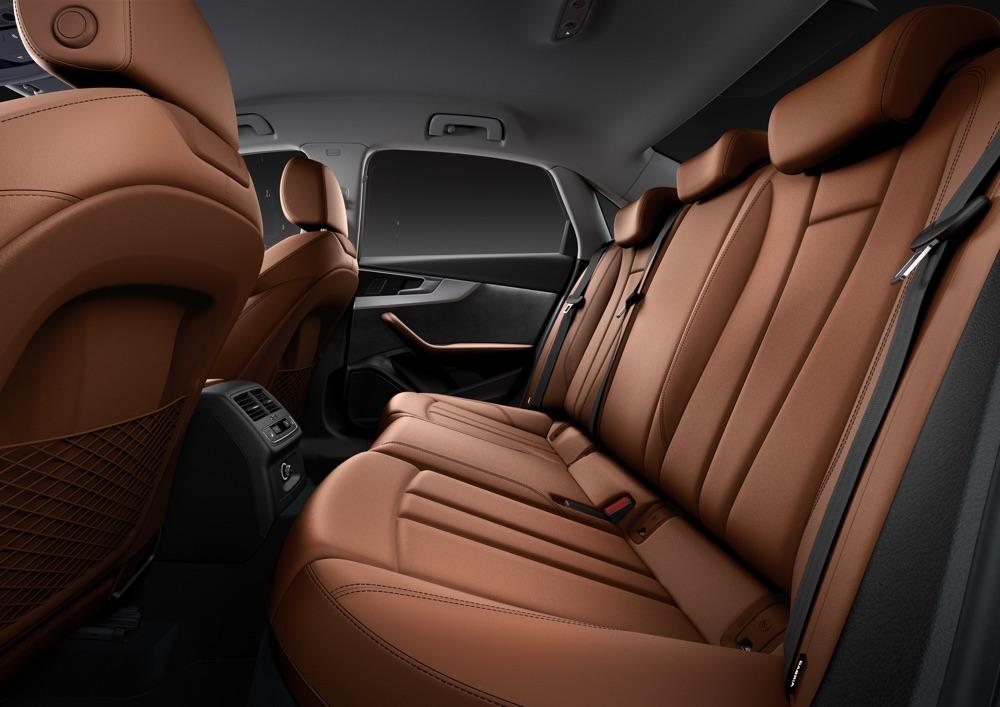 Uscita di Audi A4 restyling