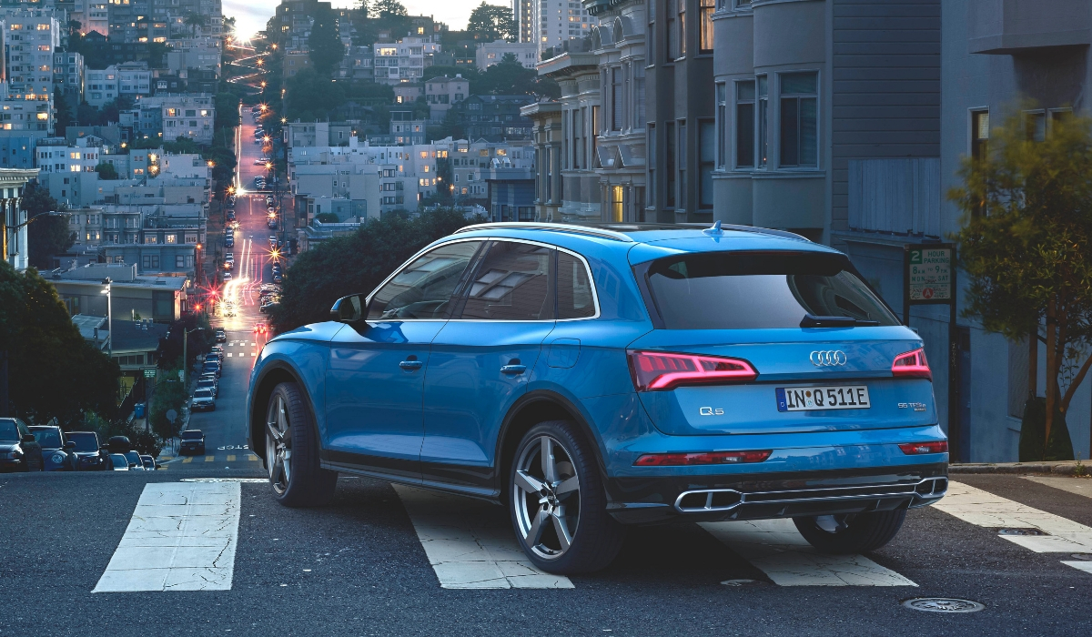 Audi Q5 PHEV ibrida plug-in