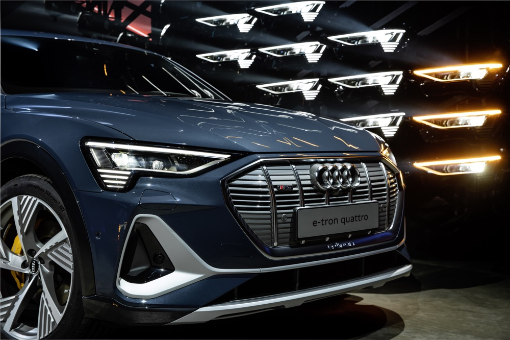 Fari Digital Matrix su Audi e-Tron Sportback
