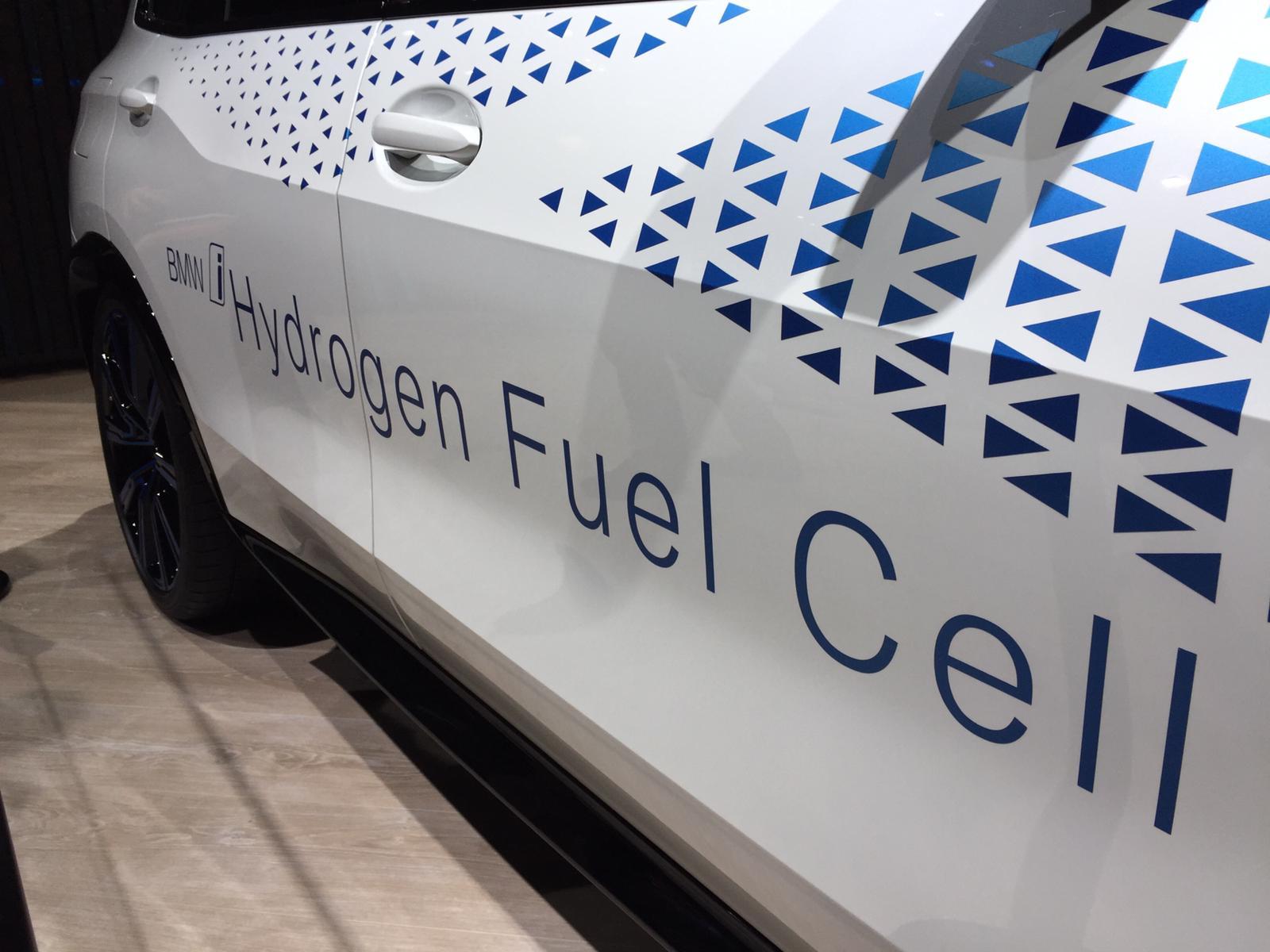 nuova-auto-i-hydrogen-bmw-salone-francoforte-2019