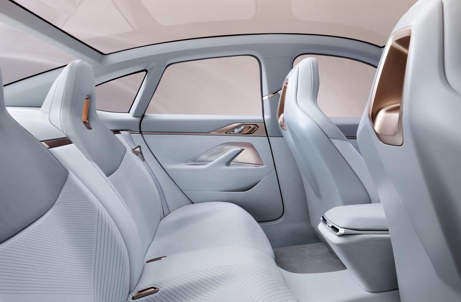 Gran Coupe BMW i4 Concept 2020