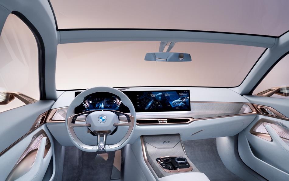 Infotainment di BMW i4 Concept 2020