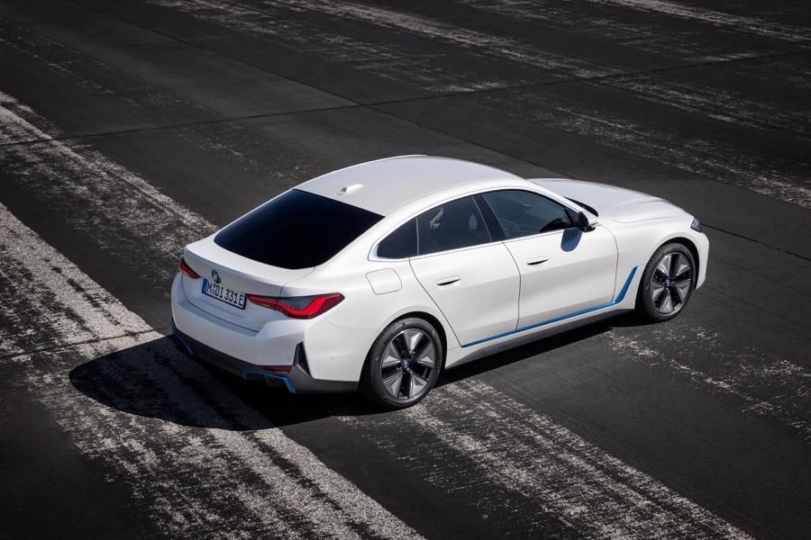 autonomia di BMW i4