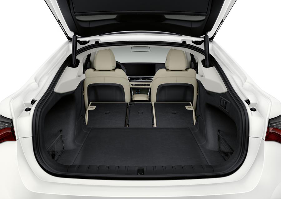 bagagliaio di BMW i4