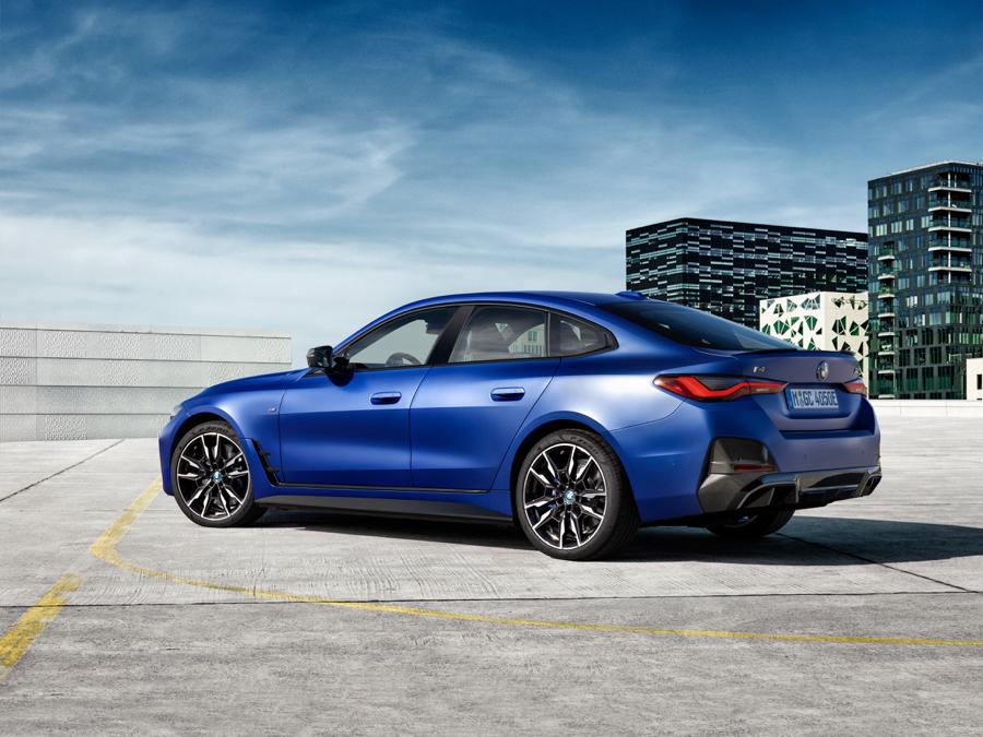prestazioni di BMW i4 M50