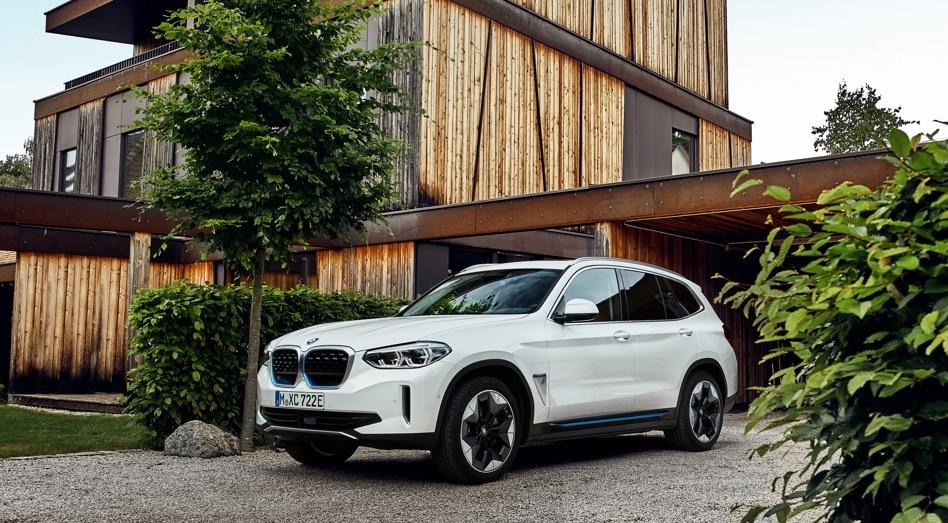 Autonomia di BMW iX3