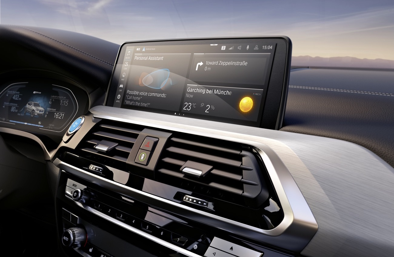 Infotainment di BMW iX3