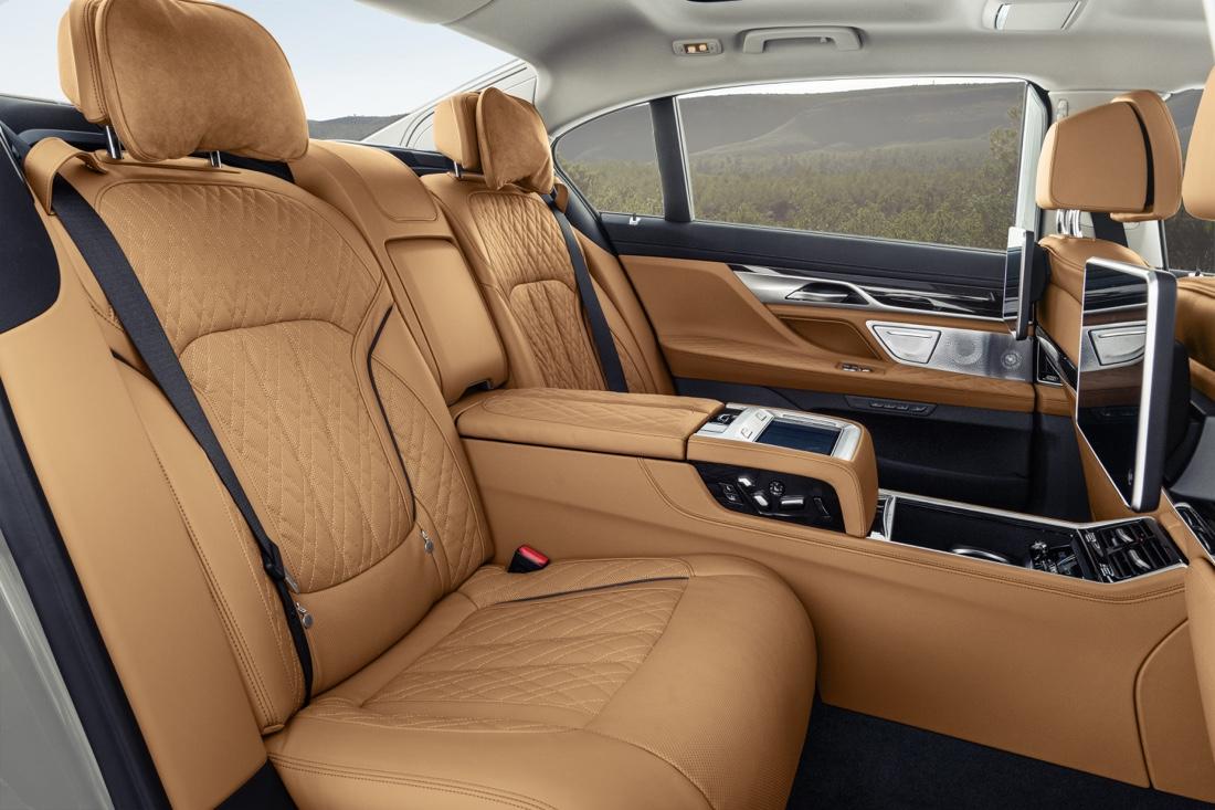 BMW Serie 7 sedili posteriori