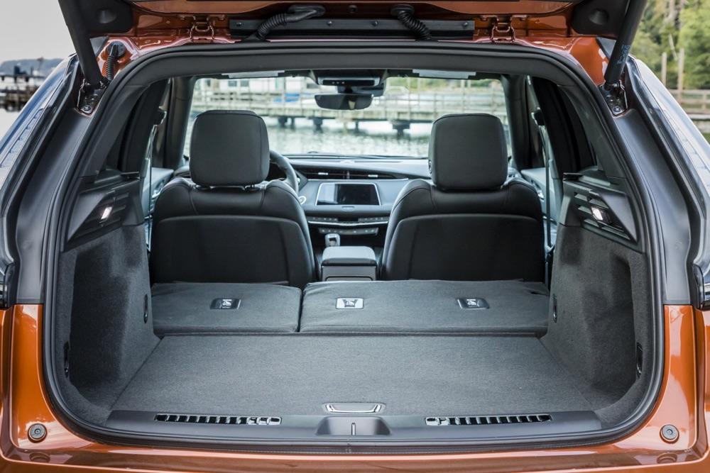 suv Cadillac XT4 2020, bagagliaio