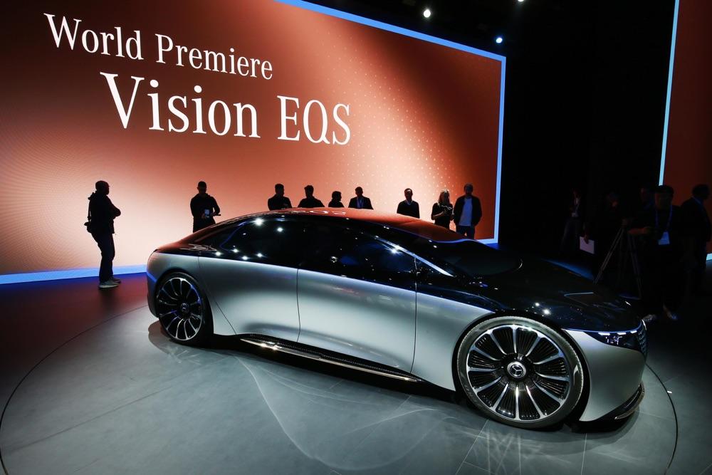 Mercedes Vision EQS-1