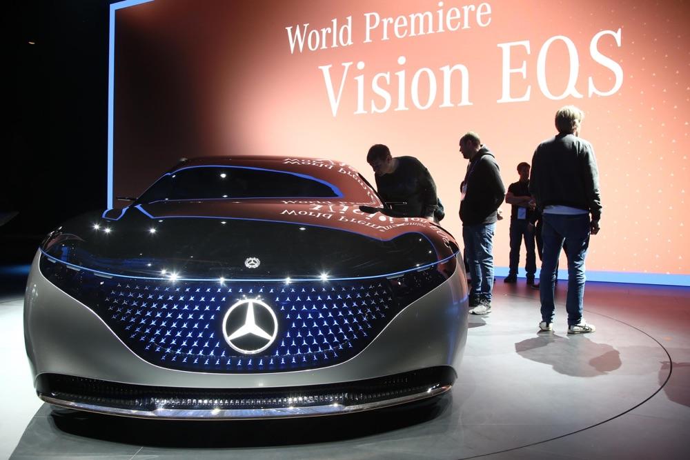 Mercedes Vision EQS-2