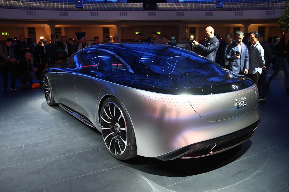 Mercedes Vision EQS-3