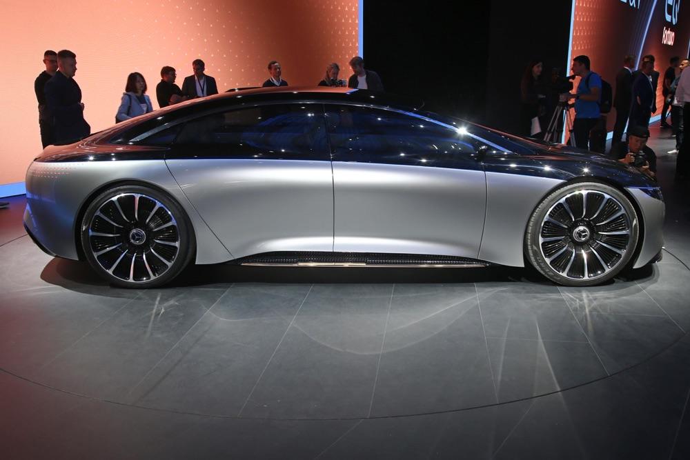 Mercedes Vision EQS-4