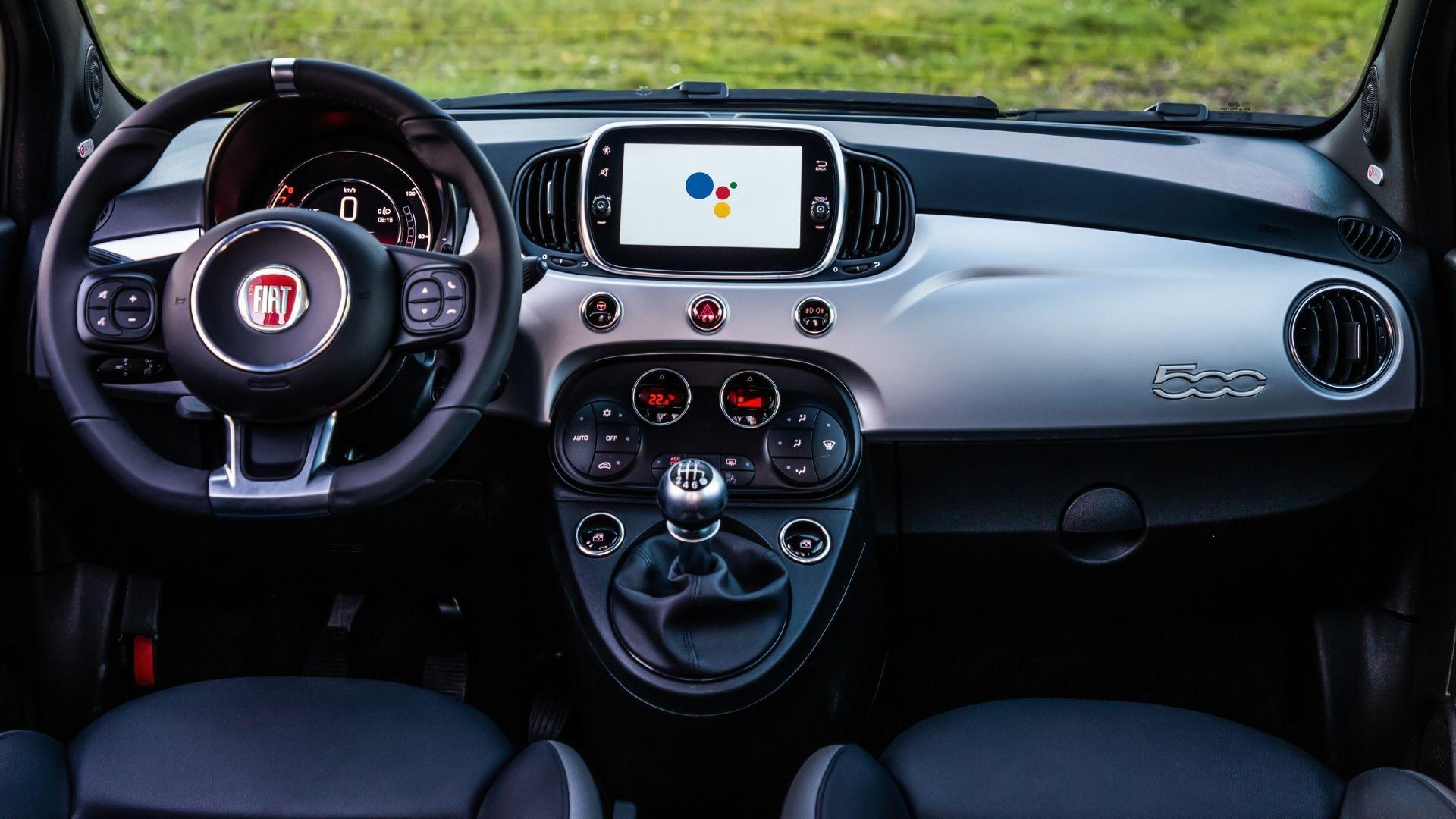 Fiat-500-Hey-Google-plancia