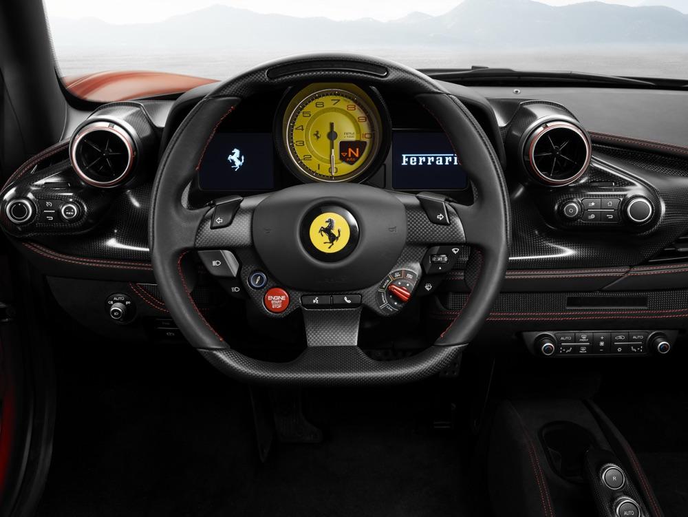 Volante di Ferrari F8 Tributo