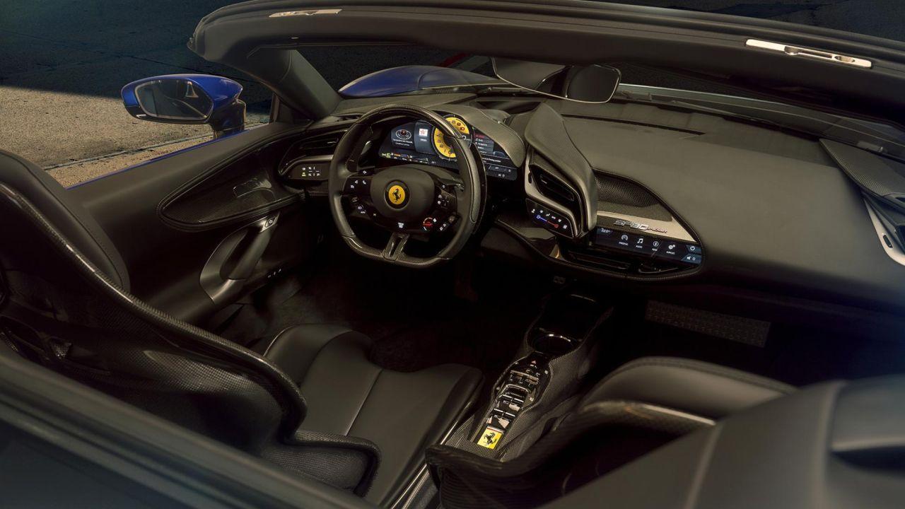 Ferrari-Sf90-spider-interni