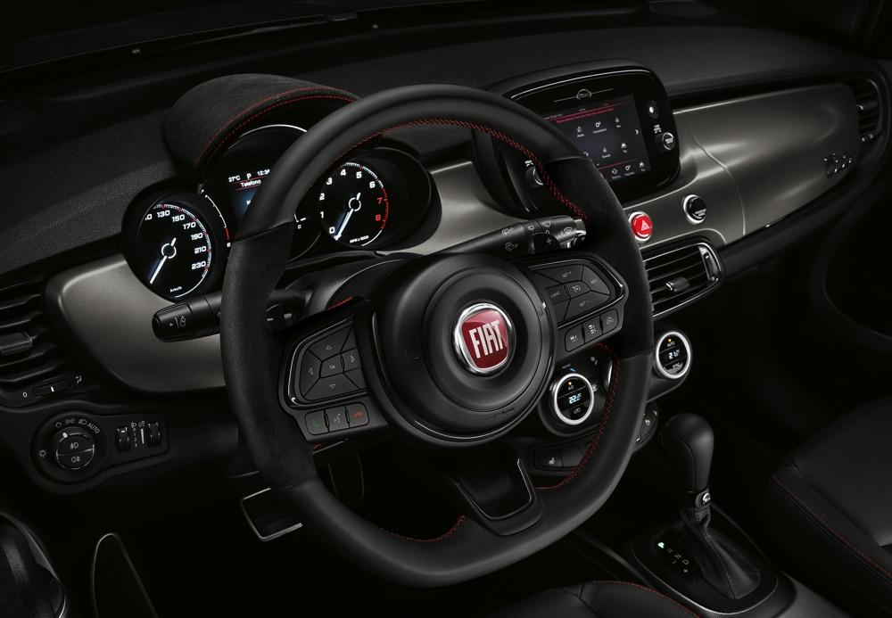 Fiat 500X Sport interni Alcantara
