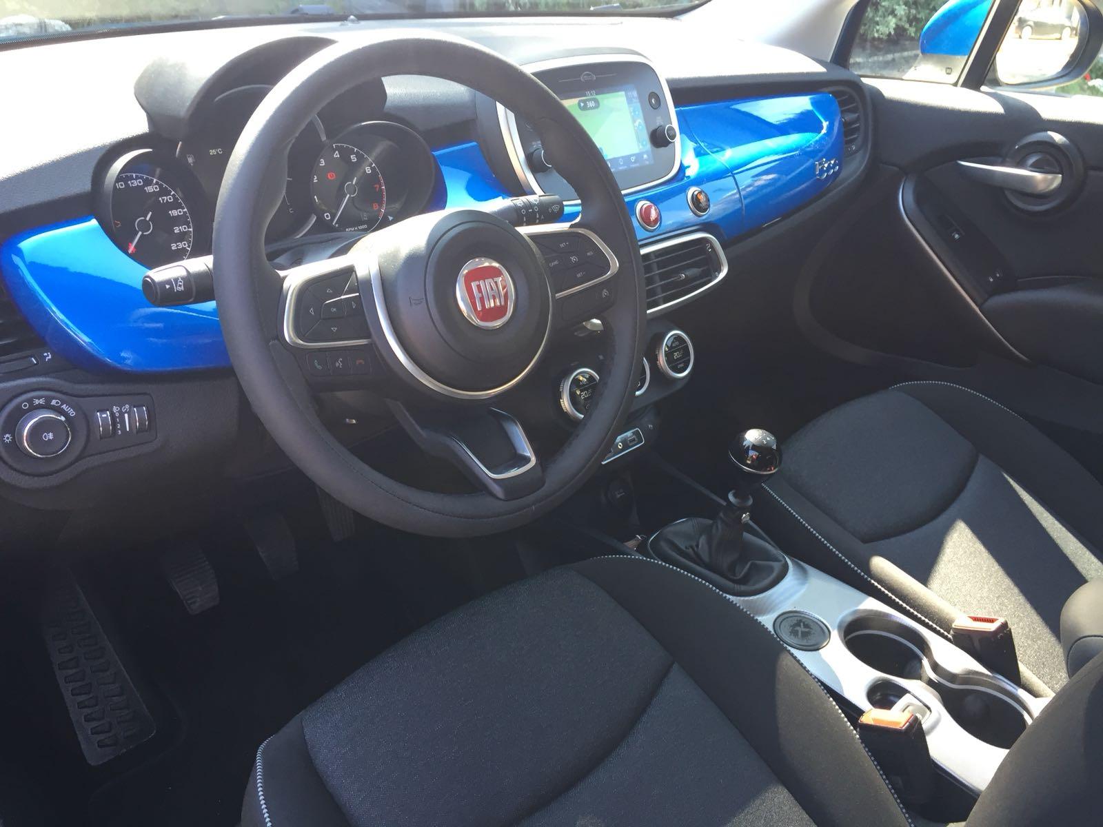 fiat-500x-interi-sedili-anteriori-volante