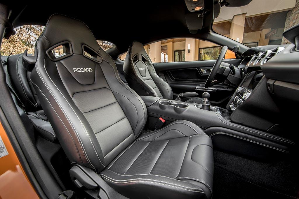 Ford Mustang GT500 interni