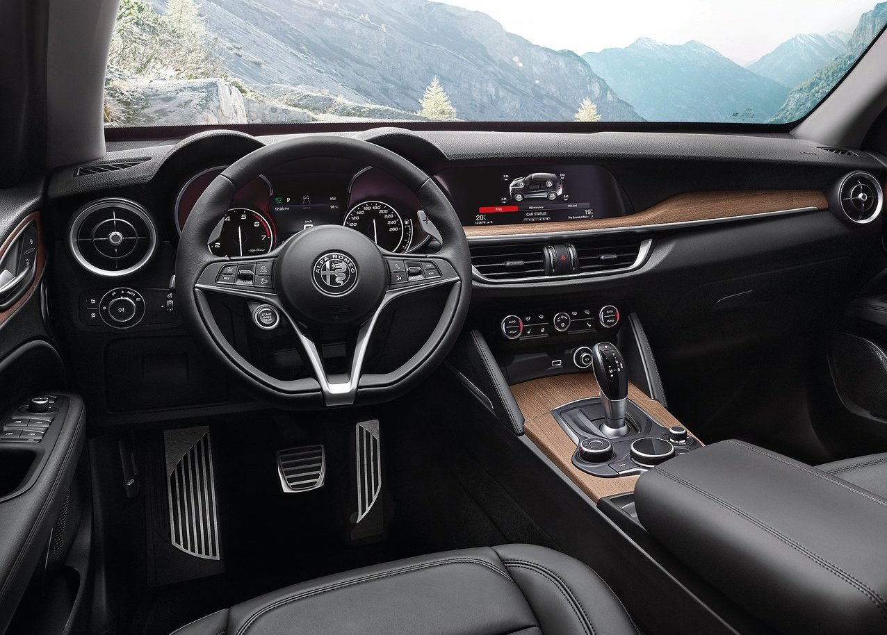 Interni di Alfa Romeo Stelvio