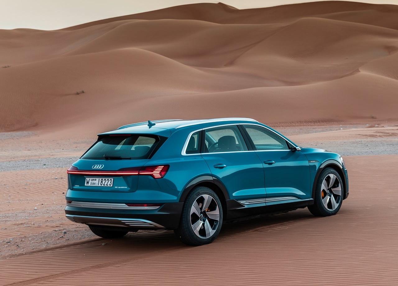 Elettrica Audi e-tron