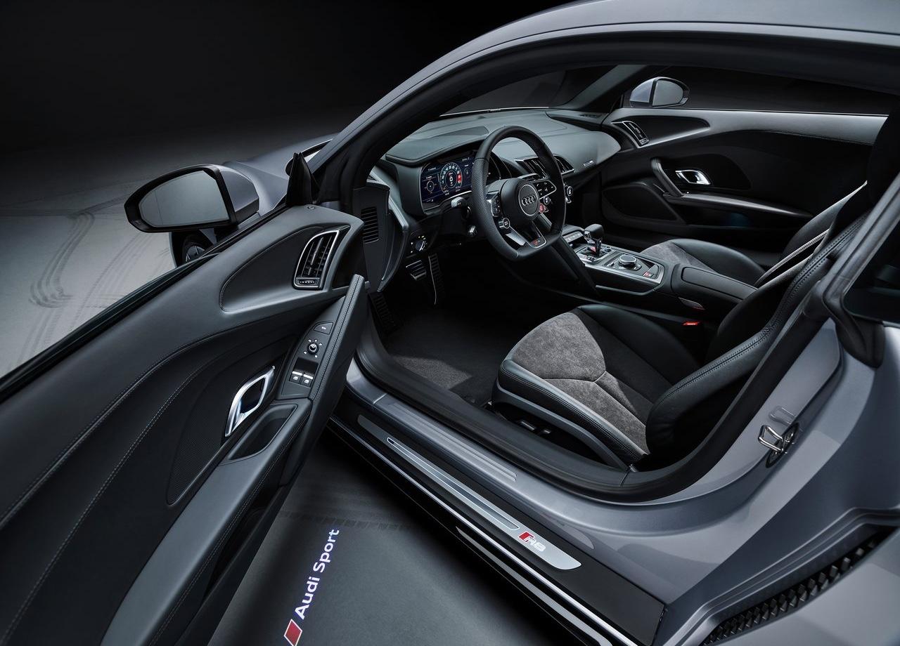 Interni di Audi R8 V10