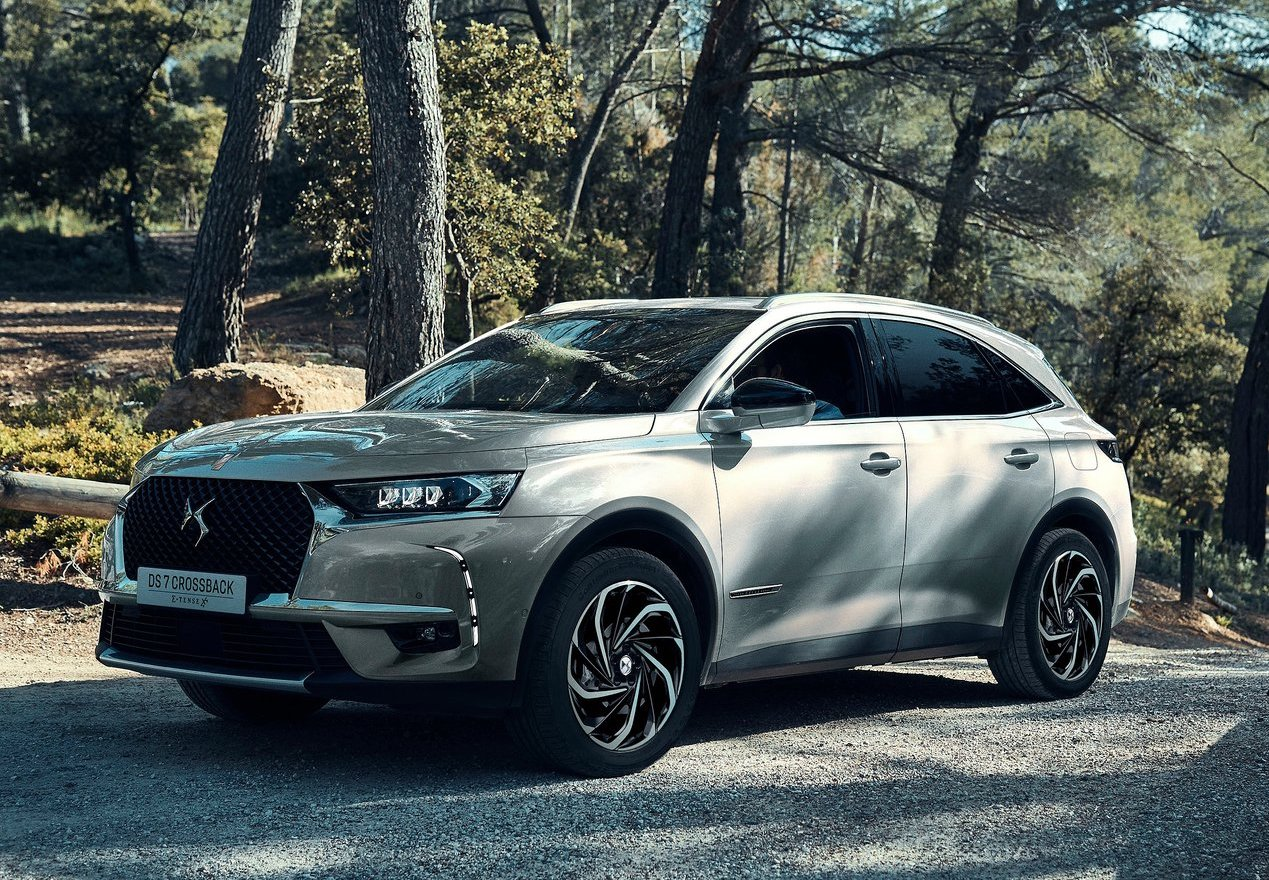 DS 7 Crossback ibrida plug-in