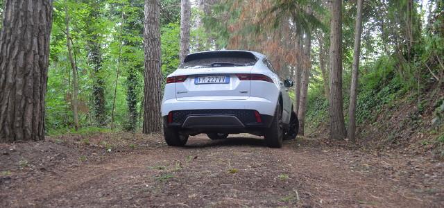 Jaguar-E-Pace-retro