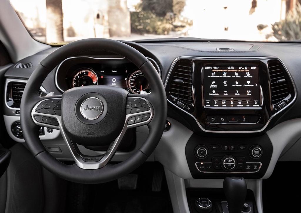 Interni di Jeep Cherokee 2019