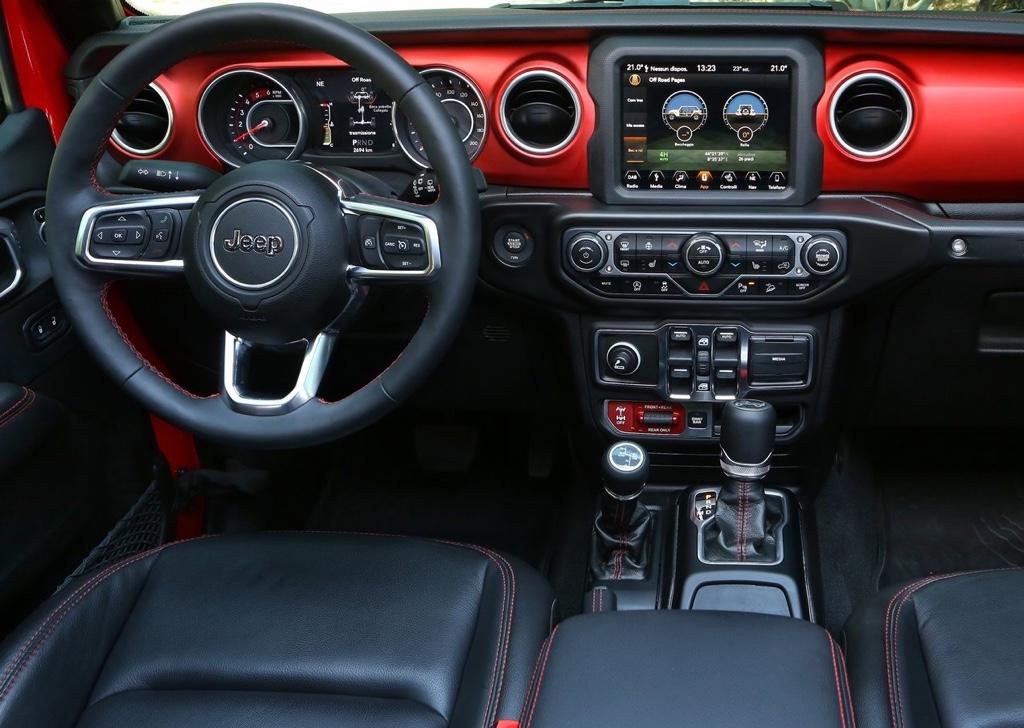 Interni di nuova Jeep Wrangler