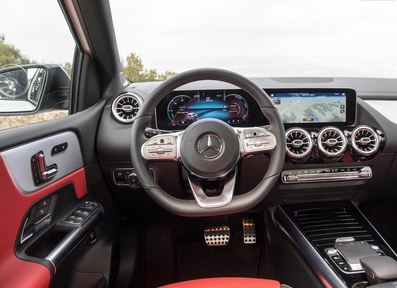 Interni di Mercedes Classe B