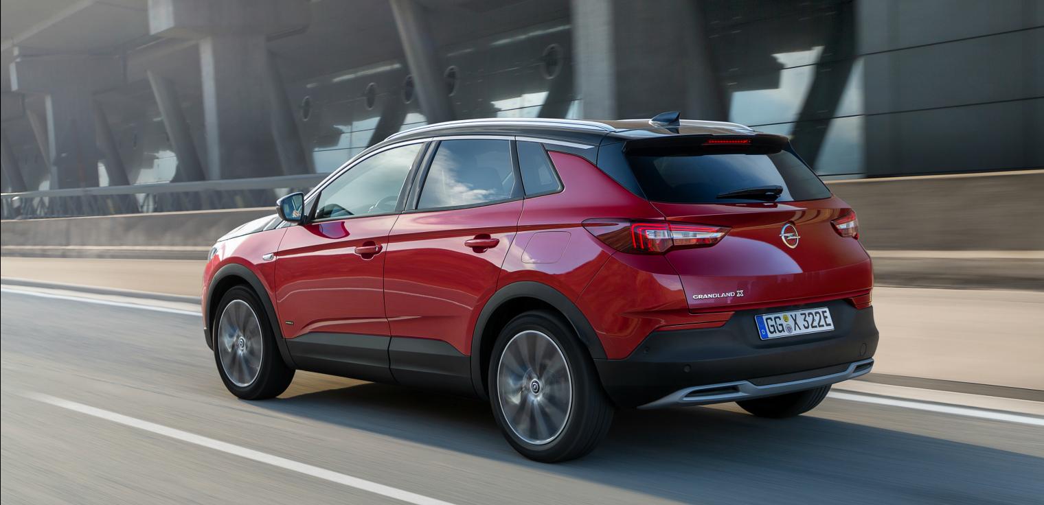 Adas-nuova-Opel-Grandland-X-Hybrid4