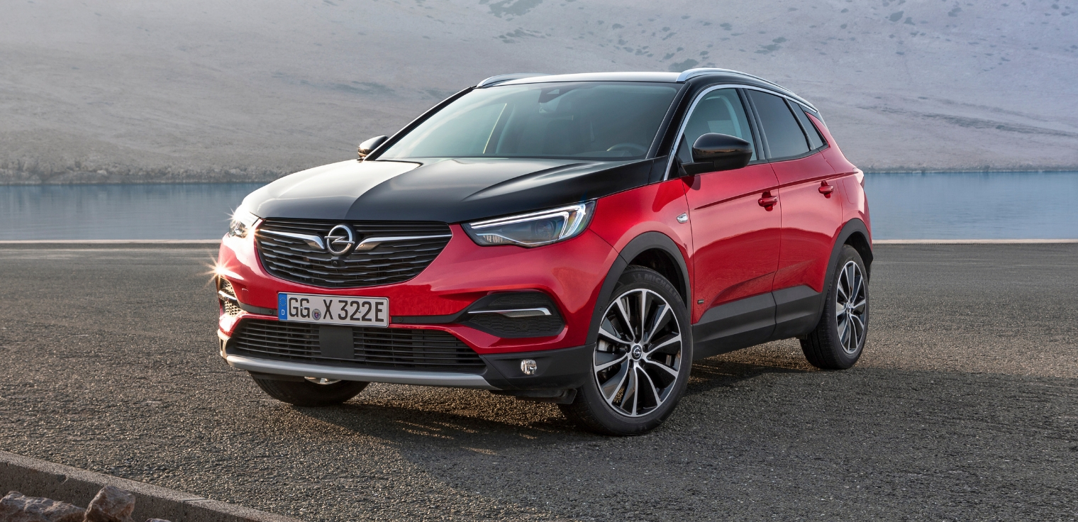 Nuova-Opel-Grandland-X-Hybrid4-AWD-formula-noleggio-lungo-termine