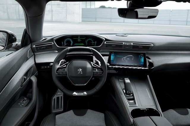 Interni di Peugeot 3008 Hybrid 4