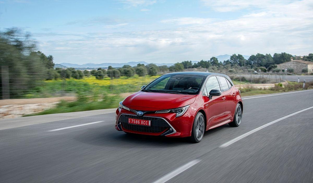 Nuova Toyota Corolla 2020 rossa