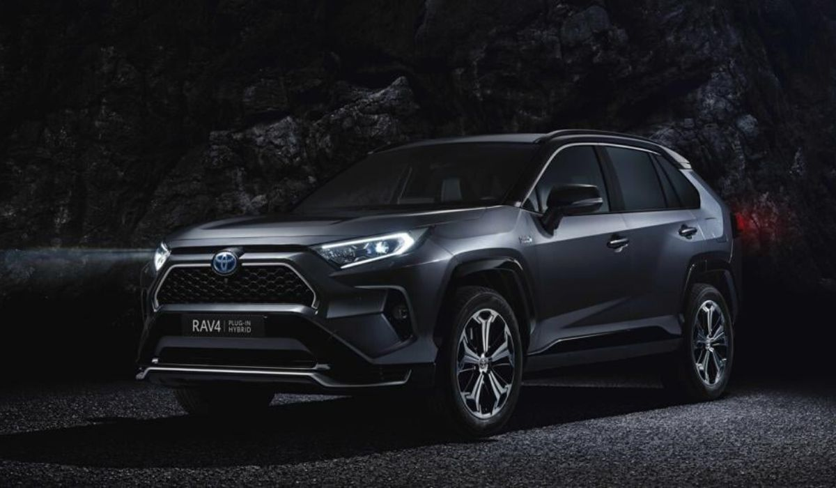 Nuovo Toyota RAV4 ibrido plug-in 2020