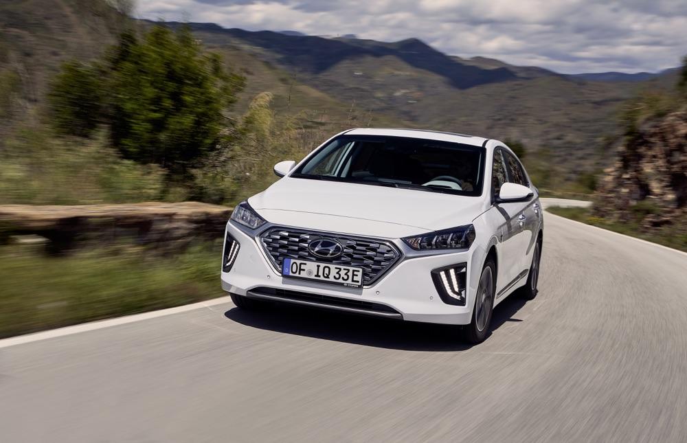 Fari a led diurni di Hyundai Ioniq ibrida 2019