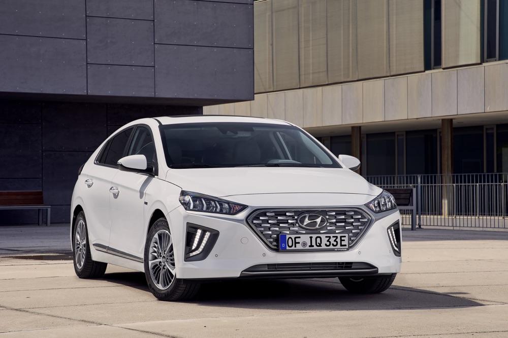 Scheda tecnica di  Hyundai Ioniq ibrida 2019
