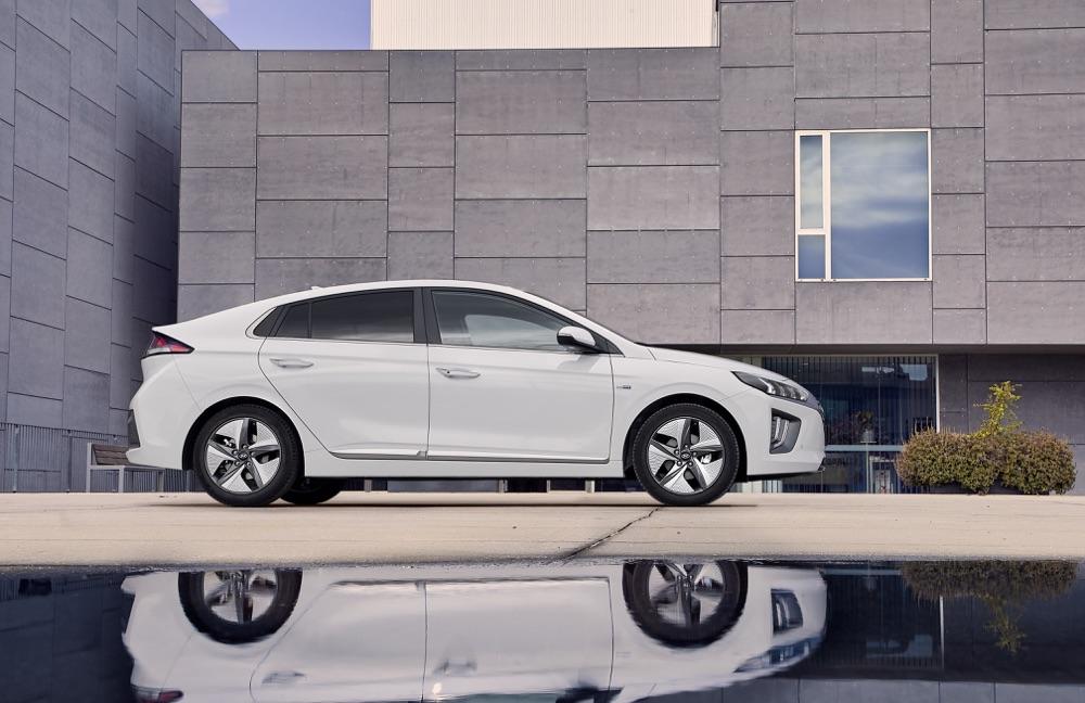 Uscita di Hyundai Ioniq ibrida 2019