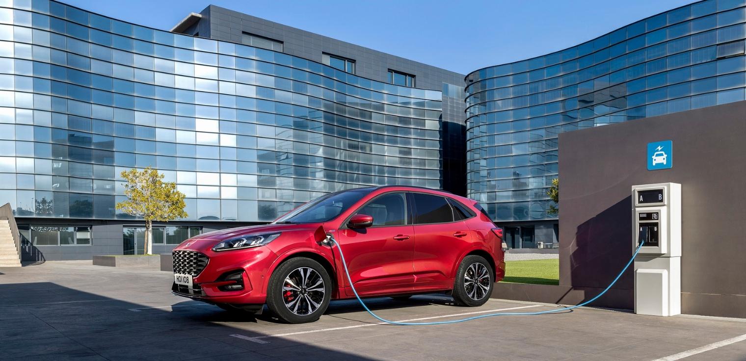 Nuova-Ford-Kuga-plug-in-hybrid-2020
