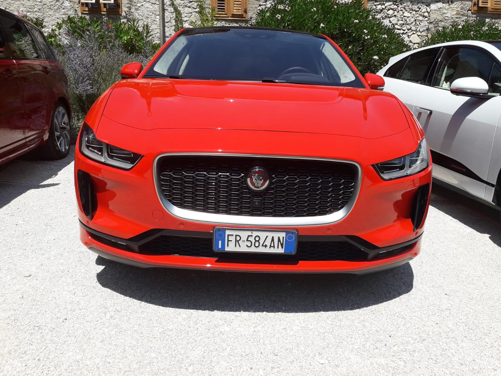 jaguar-i-pace-calandra