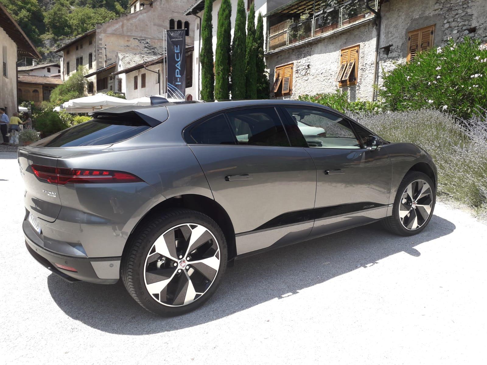 jaguar-i-pace-designe-esterni-fiancata